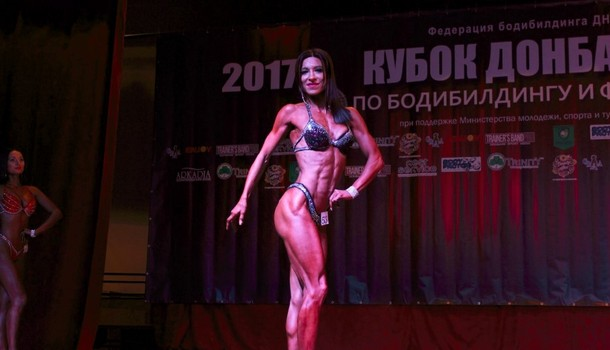 Запорожская чиновница-бодибилдер отправилась на соревнования в «ДНР» и попала в черный список «Миротворца»
