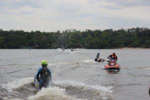 Параллельный слалом и гонки на воде: в Запорожье стартовал юбилейный Чемпионат Украины по аквабайку - ФОТО