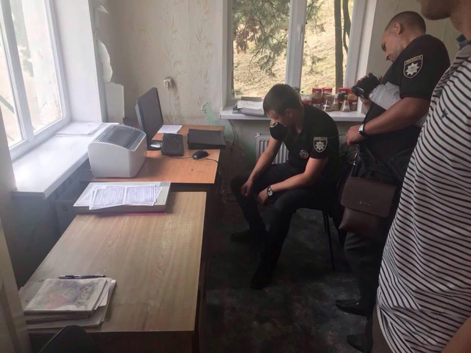 В Запорожской области задержали директора предприятия, который устроил поджог, чтобы препятствовать обыскам по делу о краже партии подсолнечника