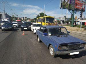В Запорожье на автовокзале произошло тройное ДТП – ФОТО