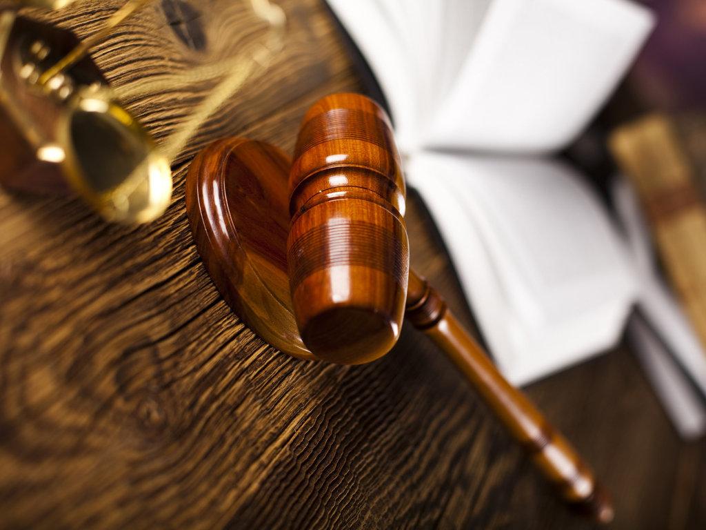 В Запорожье суд решил пересмотреть дело чиновника-взяточника, который пустился в бега, а потом успешно оспорил приговор