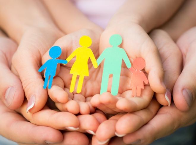 В Запорожье семьям, нуждающимся в поддержке, оказывают материальную помощь