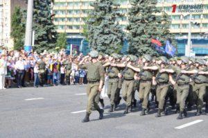 В Запорожье на День независимости пройдут маршем 450 военнослужащих