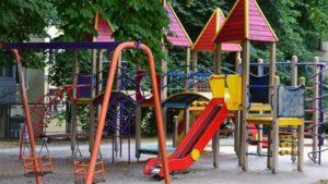 В одном из районов Запорожья отремонтируют детские площадки