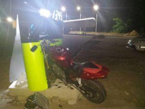 В Запорожье мотоциклист влетел в стенд на АЗС: есть пострадавший - ФОТО