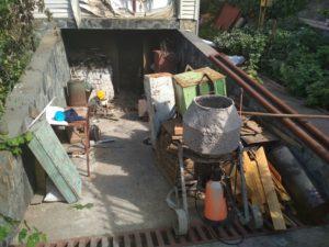 В Запорожской области горел жилой дом: владелец с ожогами в больнице - ФОТО