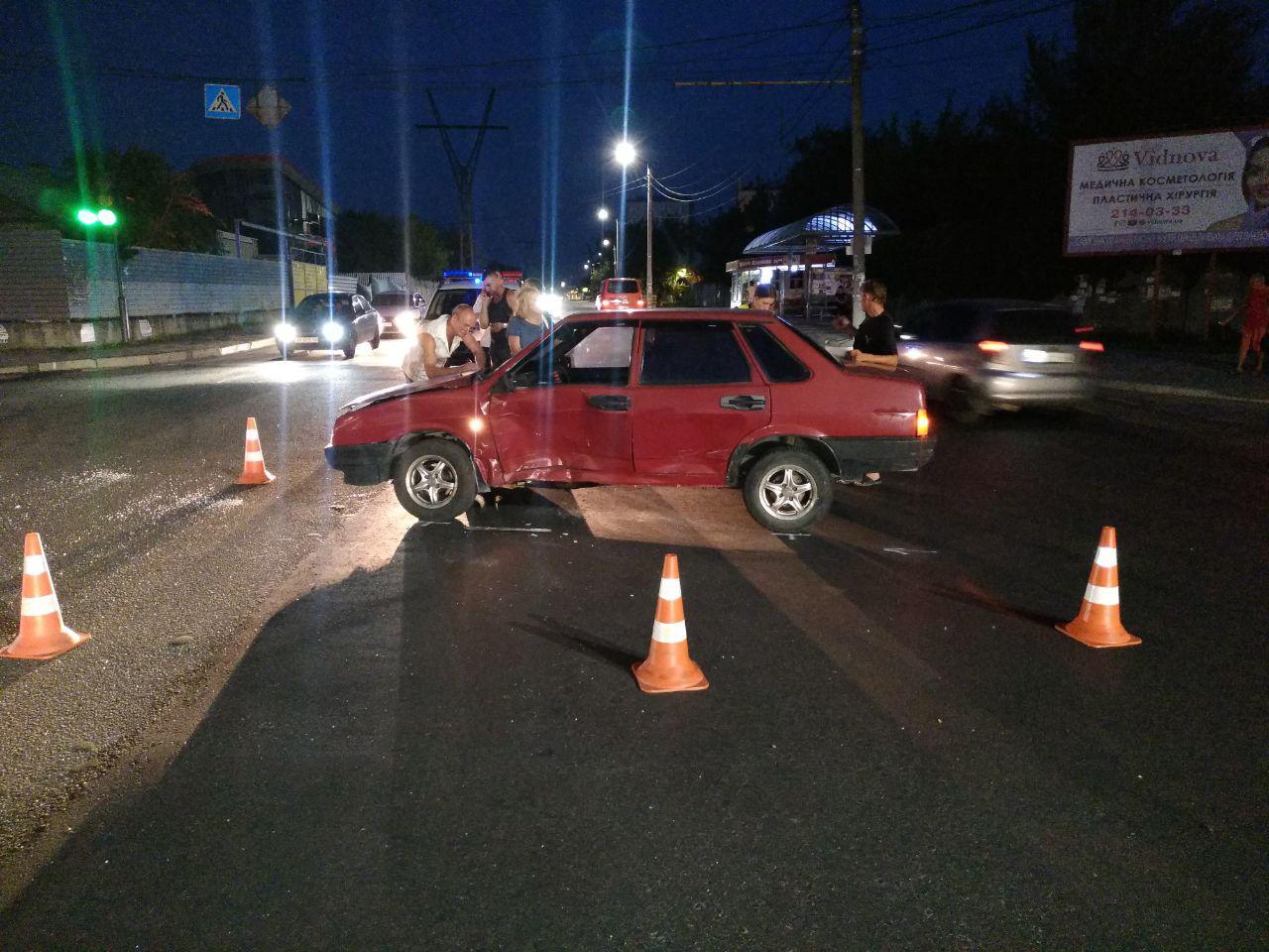 В Шевченковском районе Запорожья пьяный водитель спровоцировал ДТП - ФОТО