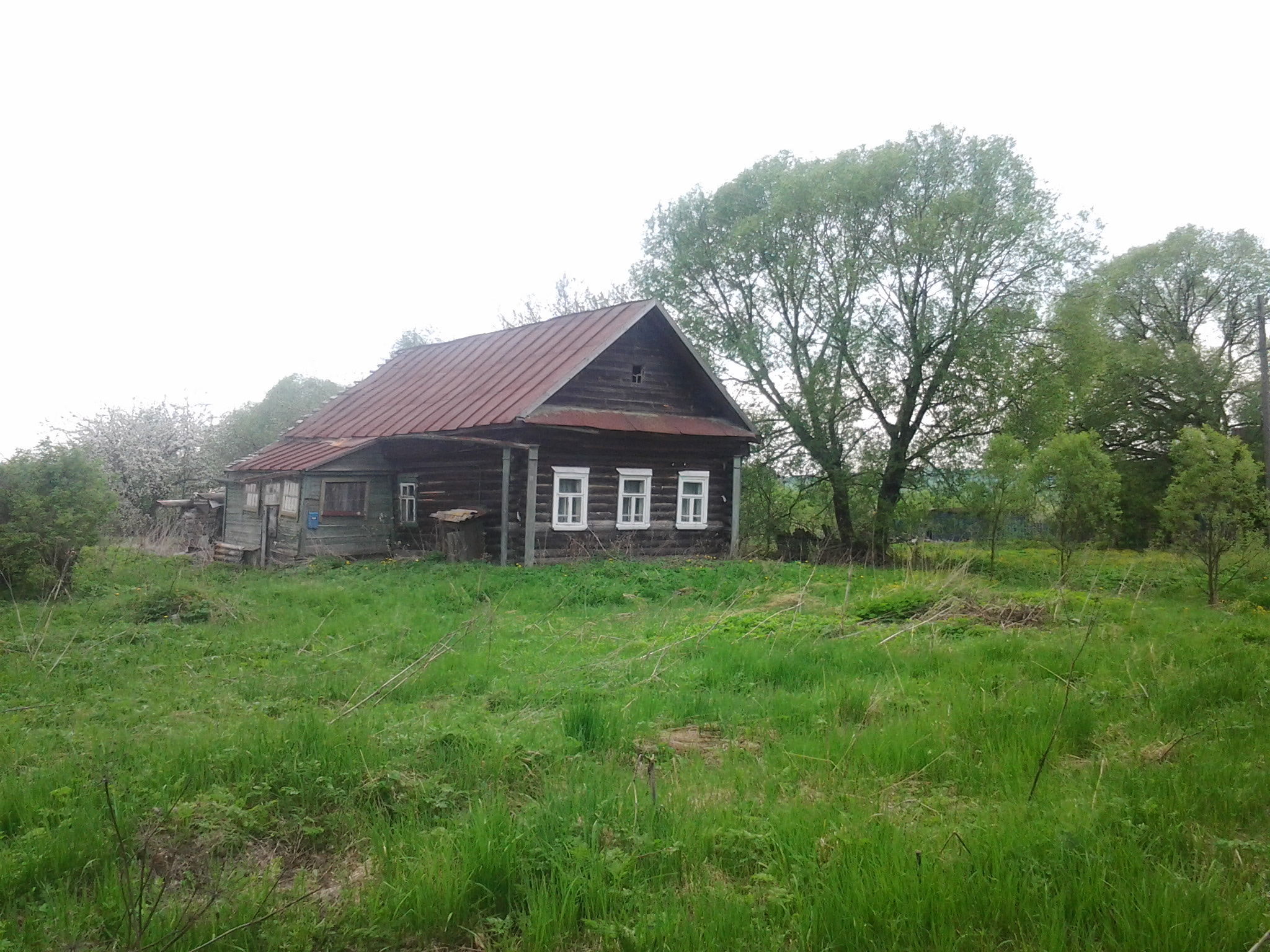 Житель Запорожской области не может попасть в свой дом, потому что там поселился чужой человек
