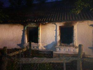 В Запорожской области горел жилой дом: есть пострадавшая - ФОТО