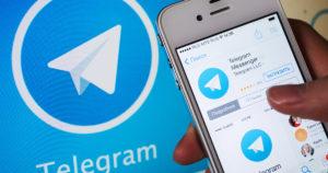Брыль, который жмет руку президенту и Прасол с бананами: в Telegram появились новые стикеры с запорожскими политиками