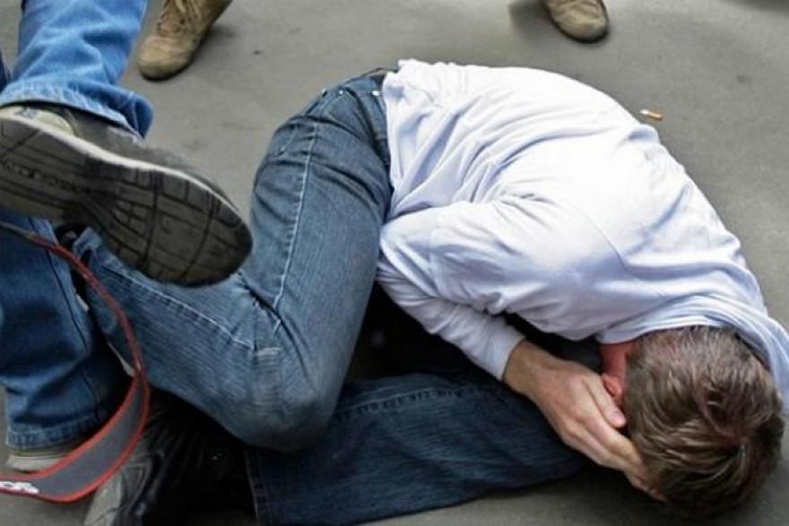 На запорожском курорте избили и ограбили отдыхающего