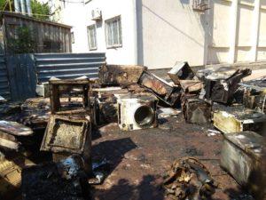 В Запорожской области сгорела фура с крупной бытовой техникой - ФОТО