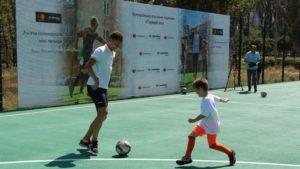 В Хортицком районе Запорожья во дворе дома открыли новую спортивную площадку - ФОТО