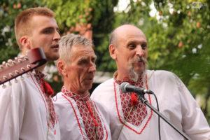 Под Запорожским дубом прошел концерт украинской песни - ФОТО