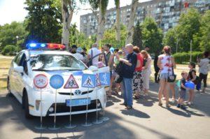 В центре Запорожья полиция устроила праздник для детей - ФОТО, ВИДЕО