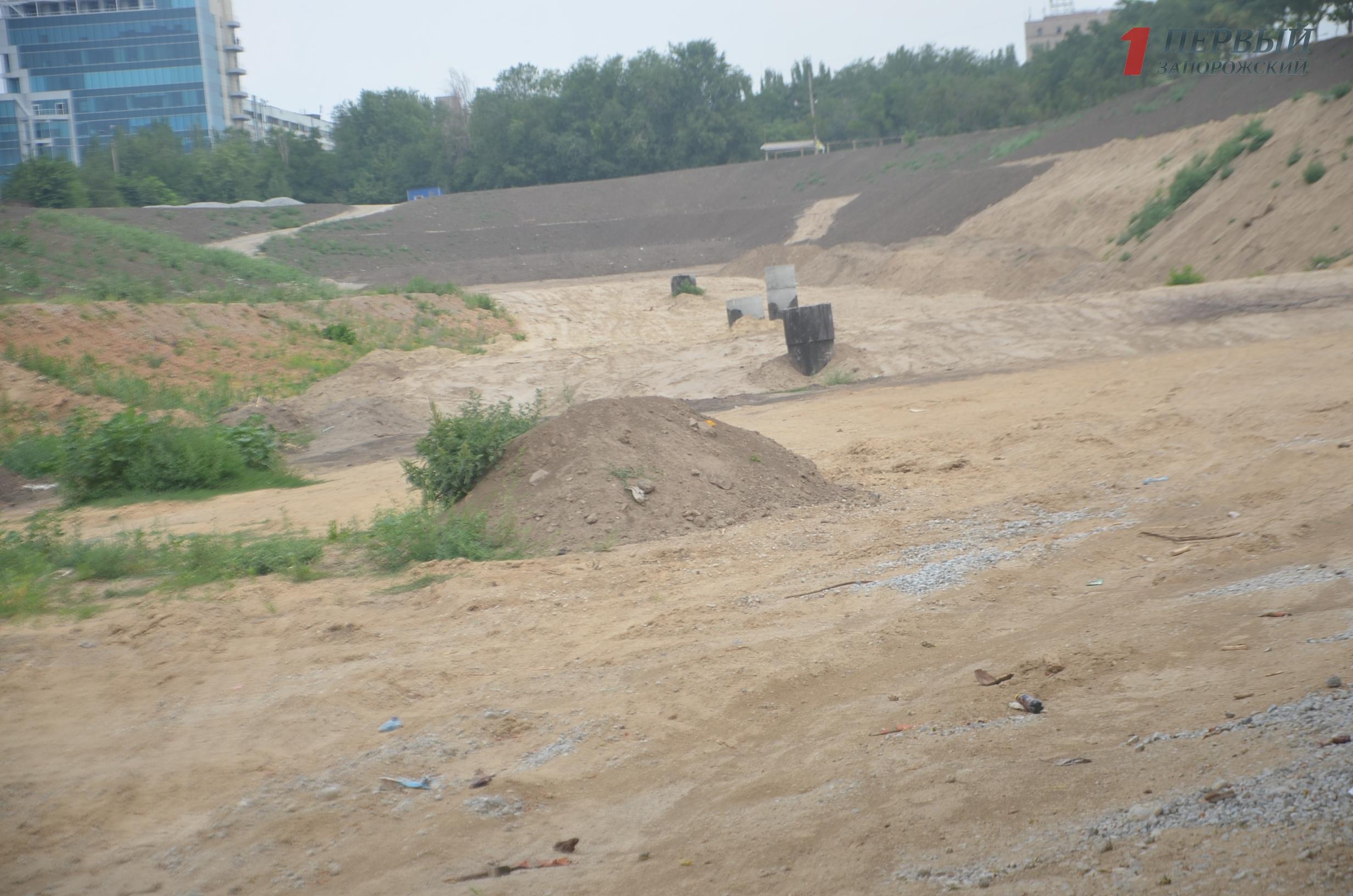 В Запорожье на Радуге «застыла» реконструкция обещанного ландшафтного парка - ФОТО