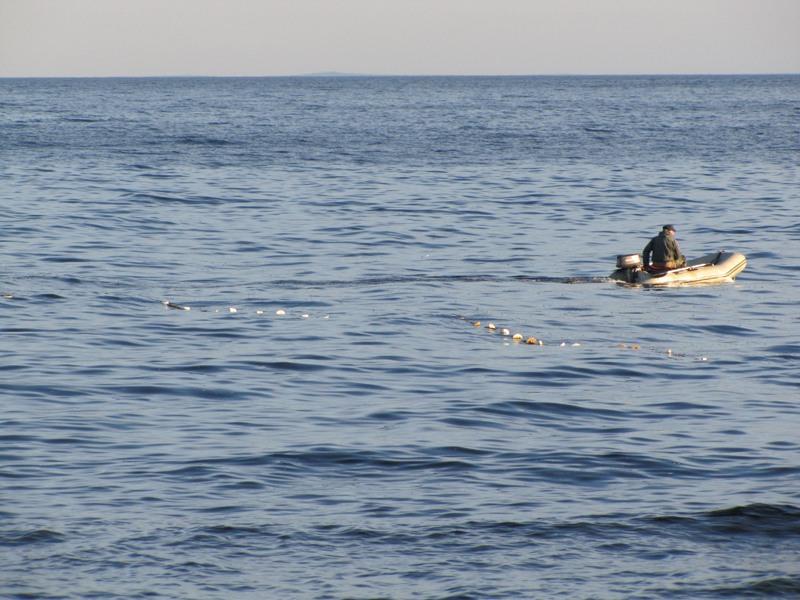 На Каховском водохранилище нашли тело утонувшего рыбака