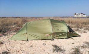 На запорожском курорте шторм накрыл палатку с харьковчанами