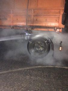В Запорожской области за ночь огнем охватило два автомобиля – ФОТО