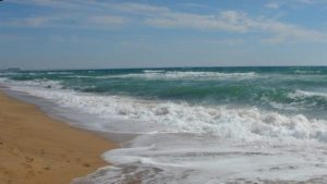 У Запорізькій області відпочиваючого на матраці віднесло на 2,5 кілометра у відкрите море