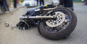 В Запорожской области произошло жуткое ДТП: водитель мопеда угодил головой под колеса грузовика – ФОТО