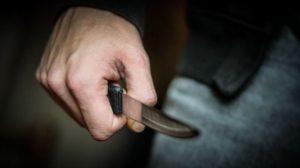 В Запорожье мужчина едва не убил на рынке прохожего из-за внезапного приступа гнева - ФОТО