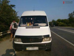 В Запорожской области остановили маршрутку с пассажирами: водитель оказался пьян - ФОТО