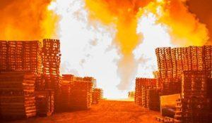На запорожском курорте в недостроенном доме произошел пожар