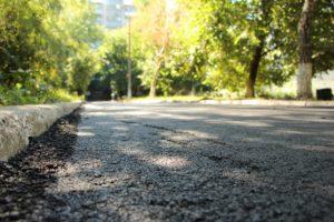 В Шевченковском районе Запорожья ремонтируют внутриквартальные дороги - ФОТО