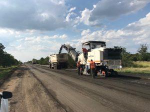 В Запорожской области продолжается ремонт трассы в сторону Бердянска: что уже сделали - ФОТО