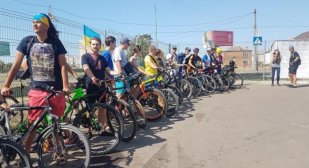 В Запорожской области две сотни патриотов устроили вело-мотопробег ко Дню независимости Украины - ФОТО