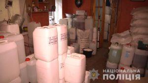 В Запорожье накрыли цех по производству самогона — ФОТО