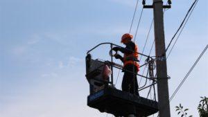 В Запорожье в частном секторе устанавливают современные светодиодные светильники - ФОТО