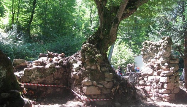 В Грузии археологи обнаружили уникальное средневековое сооружение - ФОТО