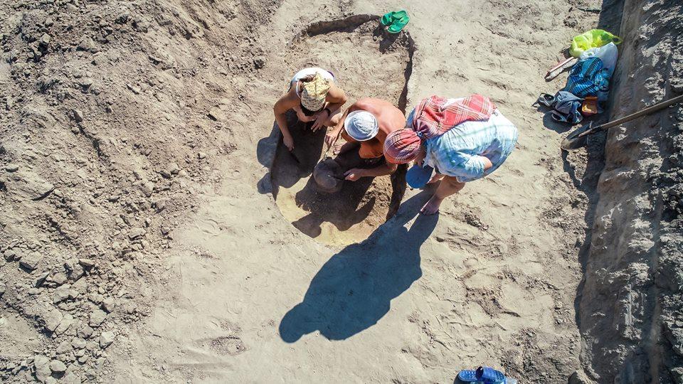 Запорожские археологи обнаружили уникальное захоронение – ФОТО, ВИДЕО