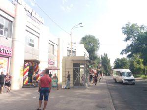 В Запорожье на пешеходной зоне «вырос» МАФ  - ФОТО
