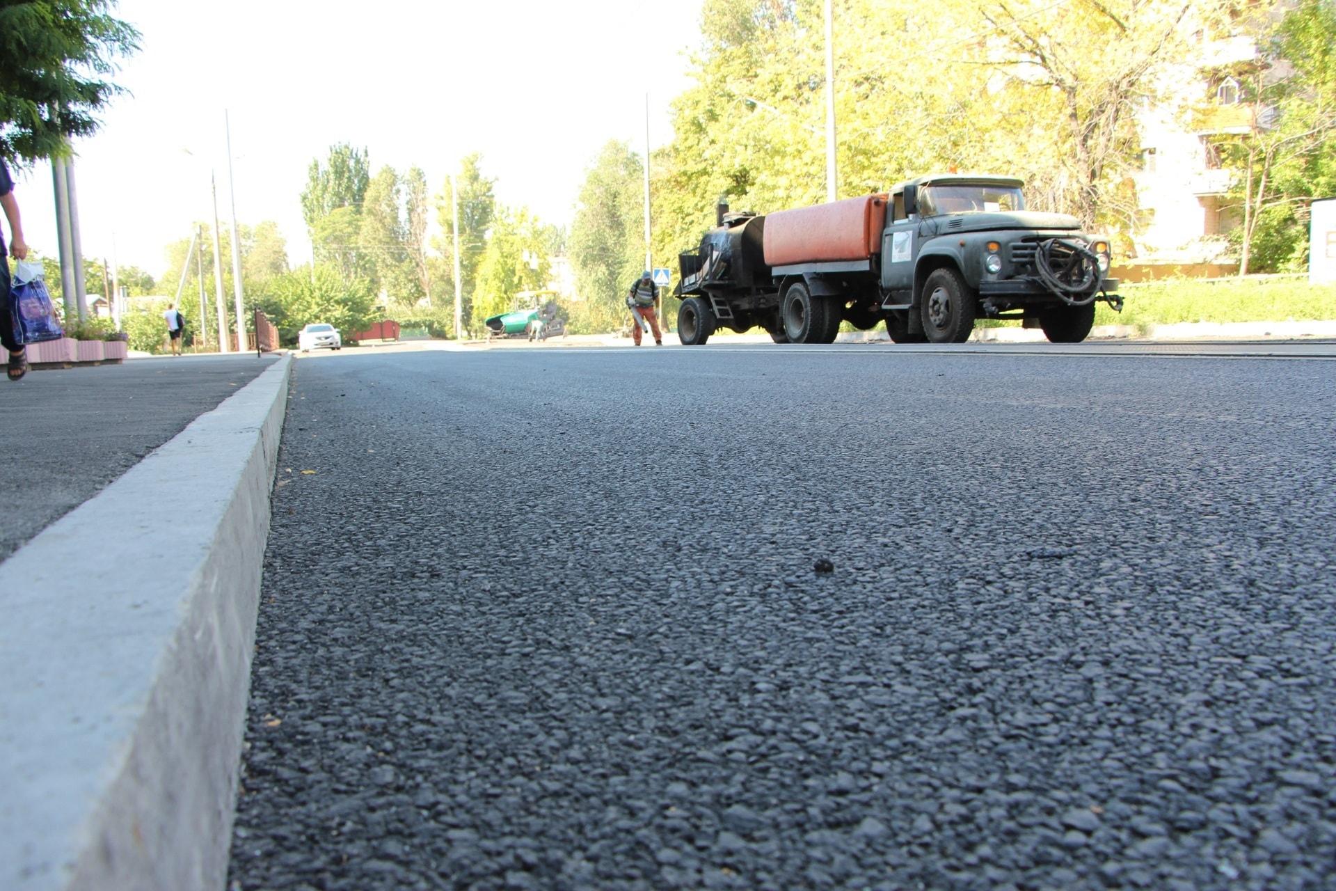 В Запорожье завершают ремонт дороги в районе Центрального рынка - ФОТО