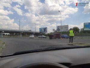 В Запорожье на выезде с Бабурки произошло ДТП с двумя легковушками: есть пострадавшие – ФОТО, ВИДЕО