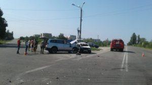 В Запорожской области на трассе столкнулись две легковушки: пострадавший в реанимации - ФОТО