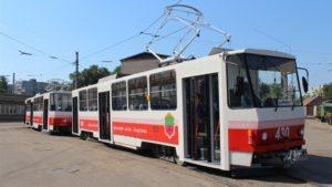 В Запорожье на линию пустили два отремонтированных трамвайных вагона