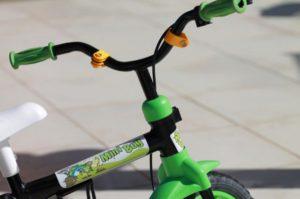 Житель Запорожья украл детский велосипед и пытался откупится взяткой от полицейских – ФОТО