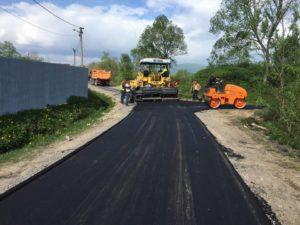 В Запорожской области из 740 миллионов гривен, выделенных на ремонт дорог, освоили только 130 - ФОТО