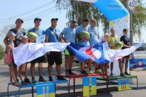 В Запорожье прошли масштабные соревнования по триатлону - ФОТО