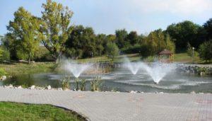 Из бюджета города выделят почти 100 тысяч гривен на ремонт плитки в Вознесеновском парке, которая развалилась после потопа