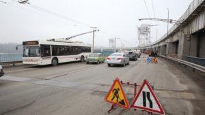В Запорожье будет ограничен проезд по плотине ДнепроГЭСа: организуют реверсивное движение