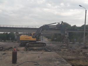 На запорожской трассе круглосуточно ремонтируют аварийный мост: что уже сделали - ФОТО