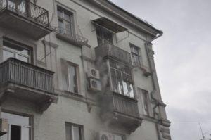 В Запорожье произошел пожар в пятиэтажном доме - ФОТО