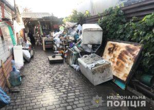 Житель Запорожья организовал дома подпольный пункт приема металлолома и алкоцех - ФОТО, ВИДЕО