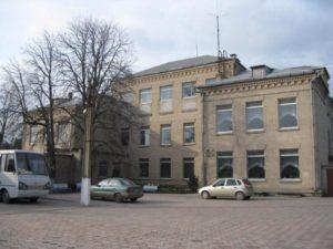 В Запорожской области библиотекарь школы-интерната удивила депутатов своей зарплатой