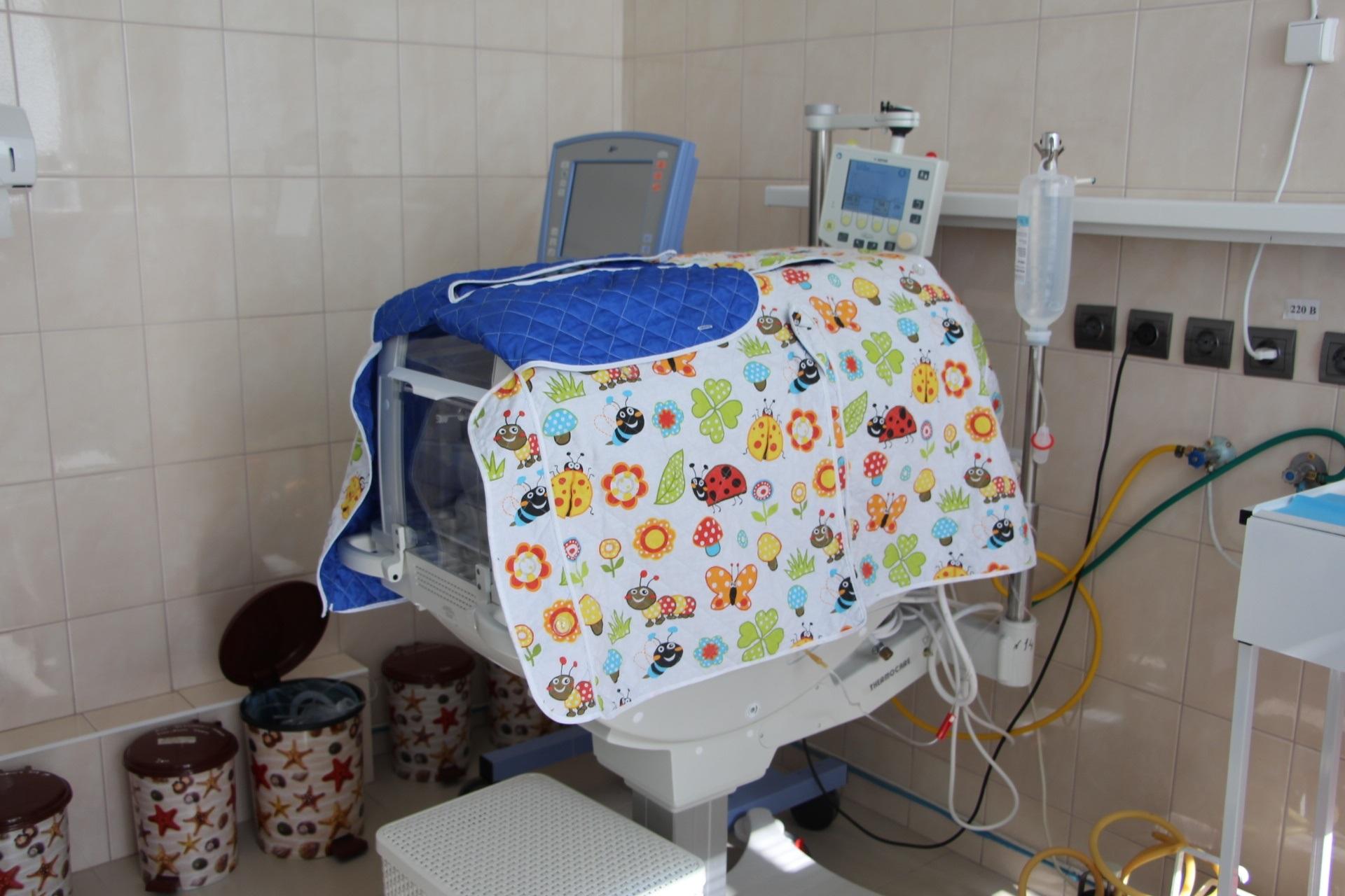 В запорожской больнице появились современные инкубаторы для недоношенных детей - ФОТО